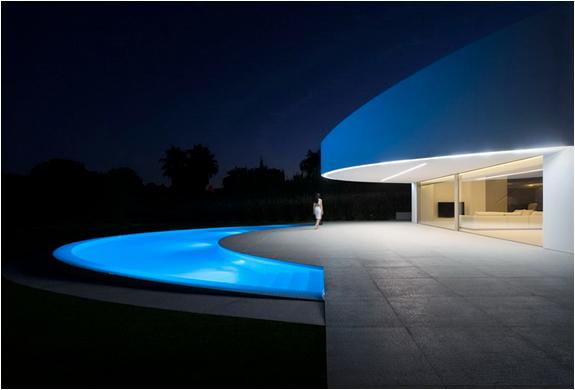 balint-house-fran-silvestre-architects-2.jpg | Image