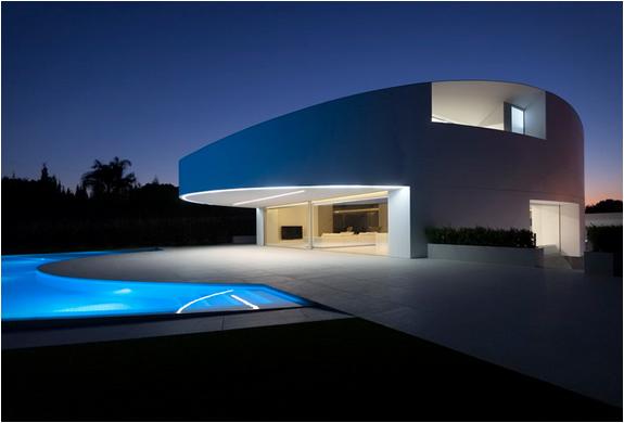 balint-house-fran-silvestre-architects-4.jpg | Image