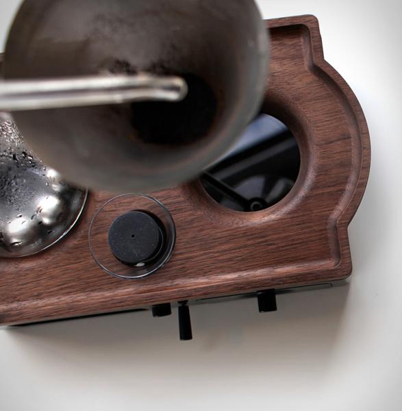 barisieur-coffee-making-alarm-clock-2.jpg   Image
