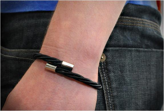 bass-guitar-strig-bracelets-2.jpg | Image