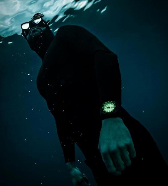 bell-ross-diver-full-lum-5.jpg | Image