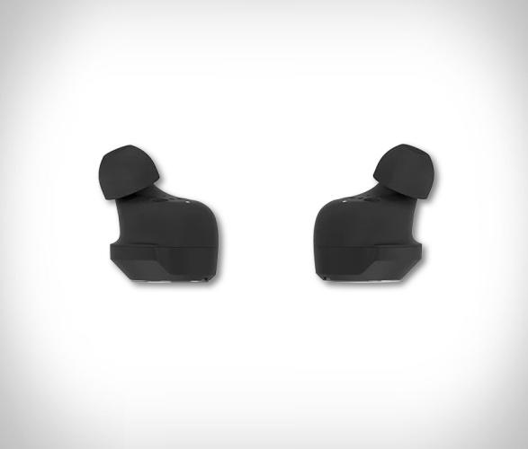 beoplay-eq-earphones-5.jpg   Image