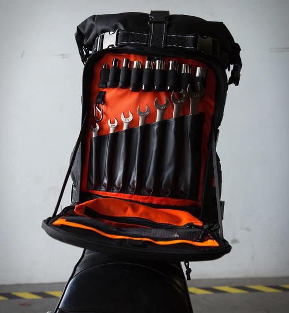 biltwell-exfil-80-moto-bag-7.jpg