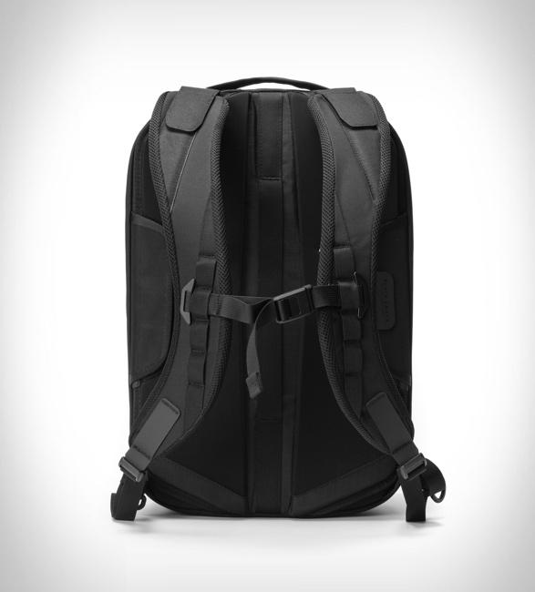 black-ember-shadow-backpack-5.jpg | Image