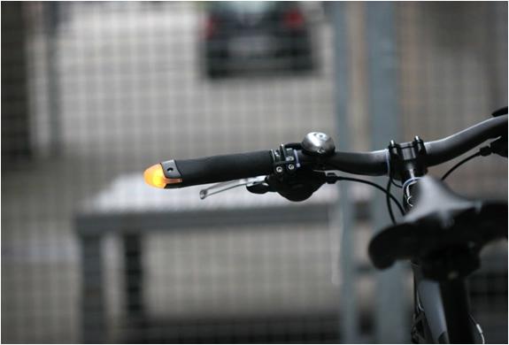 blinker-grips-4.jpg | Image
