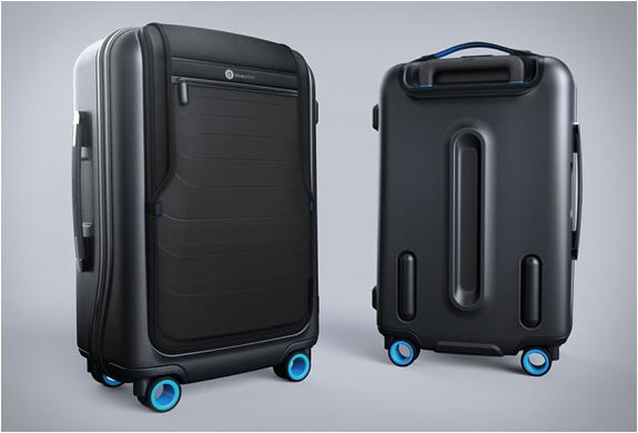 bluesmart-smart-carry-on-10.jpg
