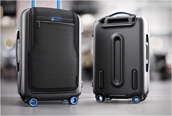 bluesmart-smart-carry-on-2.jpg | Image