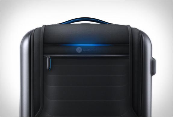 bluesmart-smart-carry-on-3.jpg | Image