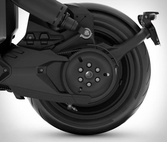 bmw-ce-04-electric-scooter-6.jpg