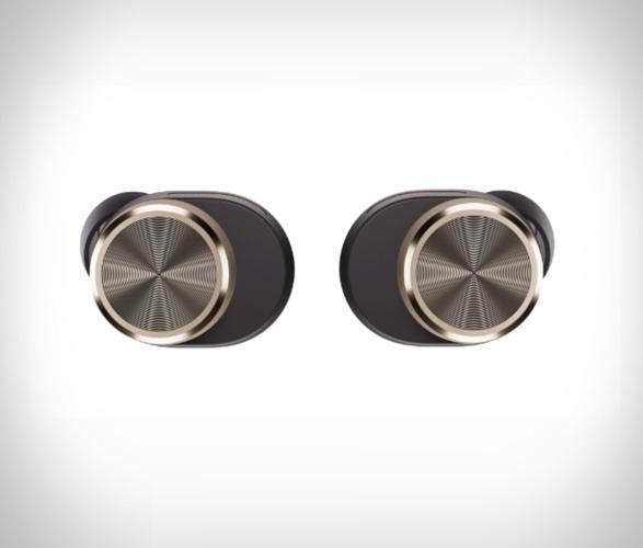 bowers-wilkins-true-wireless-headphones-3.jpg | Image