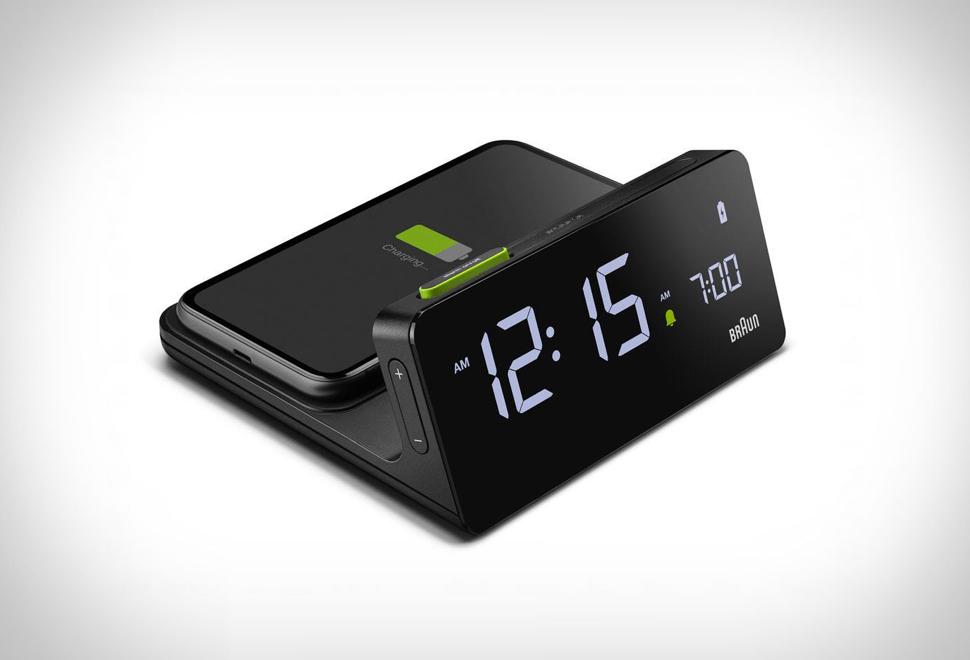 Braun BC21 Wireless Charging Clock | Image