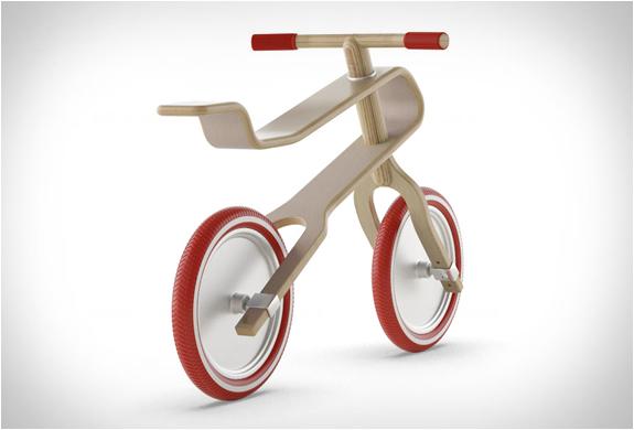 brum-brum-balance-bike-2.jpg | Image