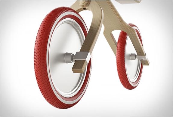 brum-brum-balance-bike-6.jpg
