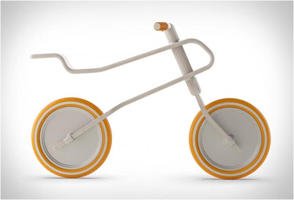 brum-brum-balance-bike-7.jpg