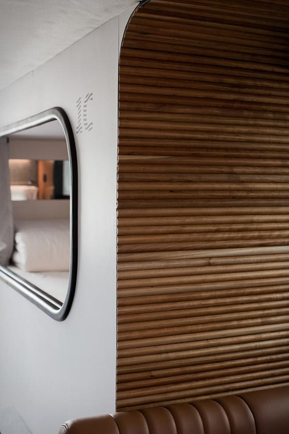 cabin-moving-hotel-4.jpg | Image