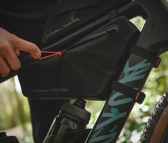 canyon-apidura-bike-bags-7.jpg