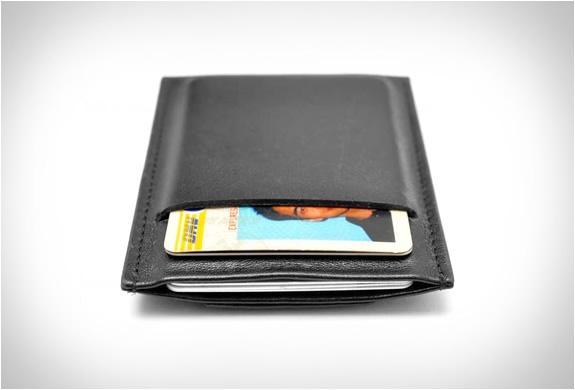 capsule-minimalist-wallet-3.jpg | Image