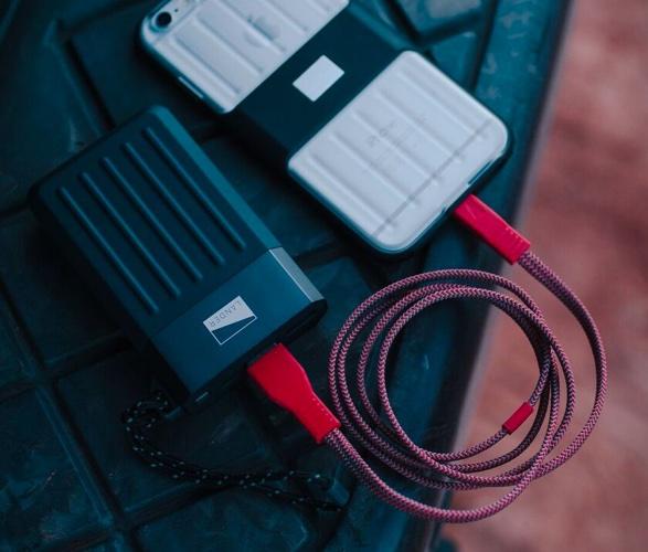 cascade-portable-power-bank-5.jpg | Image