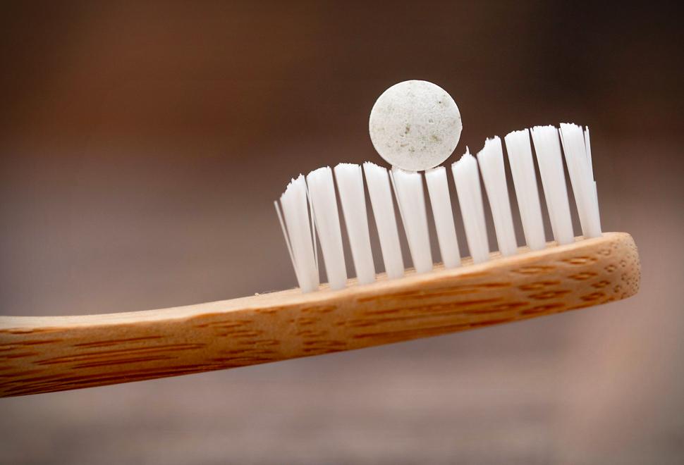 Change Plastic-Free Toothpaste | Image