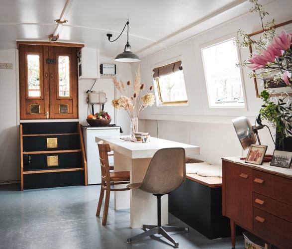 chinampa-houseboat-5.jpg | Image