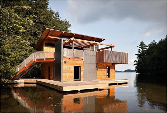 christopher-simmonds-muskoka-lakes-boathouse-2.jpg | Image