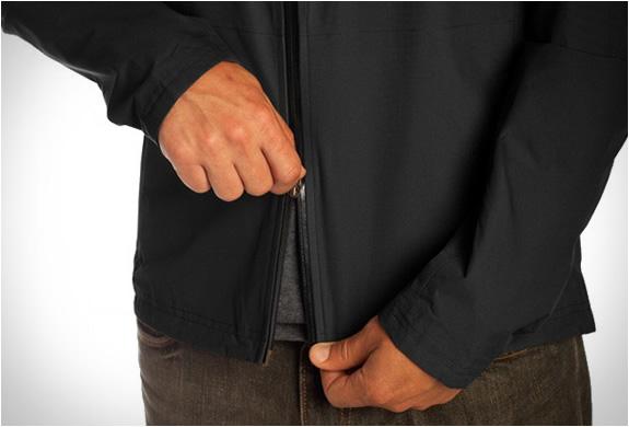 chrome-industries-storm-cobra-jacket-4.jpg | Image