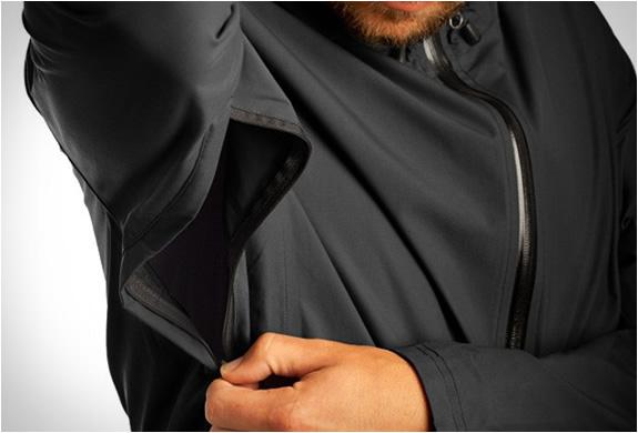 chrome-industries-storm-cobra-jacket-5.jpg | Image
