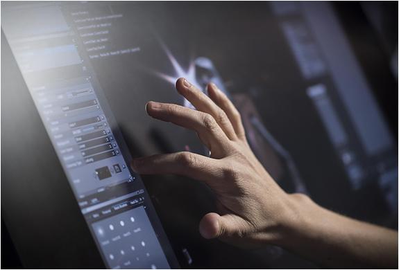 cintiq-27qhd-touch-display-9.jpg
