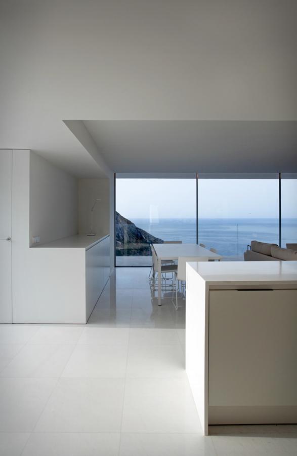 cliff-house-fran-silvestre-arquitectos-13.jpg