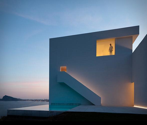 cliff-house-fran-silvestre-arquitectos-7.jpg