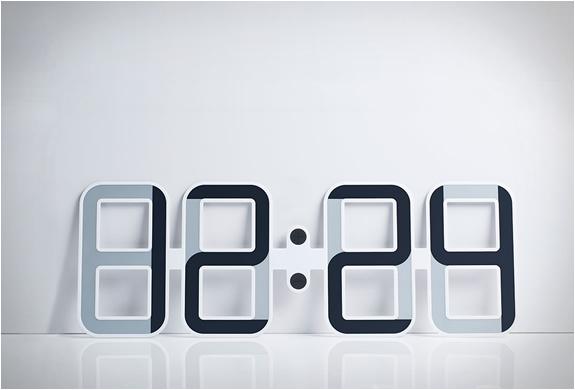 clockone-twelve24-2.jpg   Image