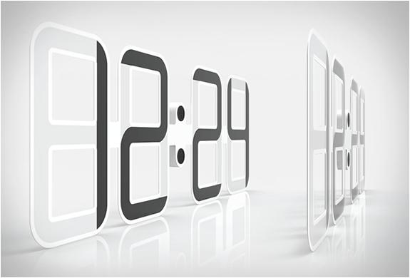clockone-twelve24-4.jpg   Image