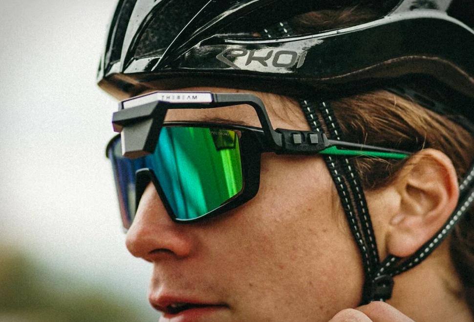 CORKY X Sunglasses Mirror | Image