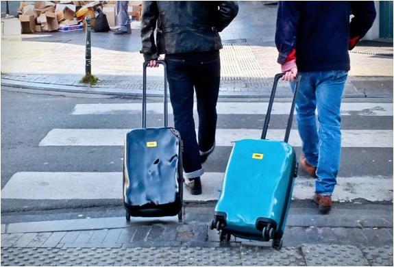 crash-baggage-5.jpg | Image