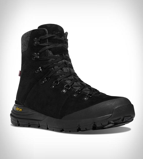 danner-arctic-600-side-zip-boots-2.jpg | Image