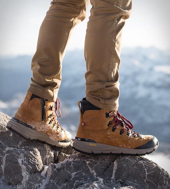 danner-arctic-600-side-zip-boots-8.jpg