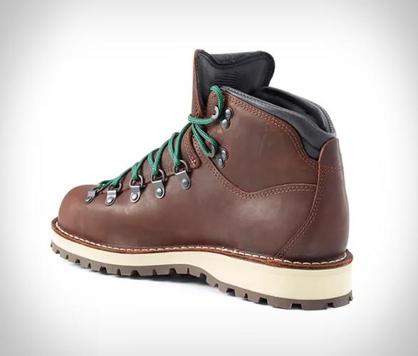 danner-mountain-pass-boots-2.jpg | Image