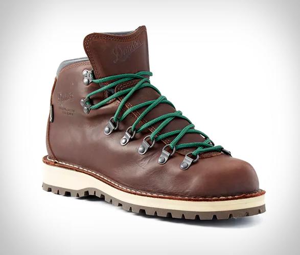 danner-mountain-pass-boots-3.jpg | Image