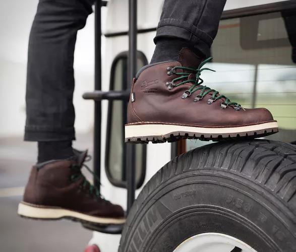 danner-mountain-pass-boots-4.jpg | Image