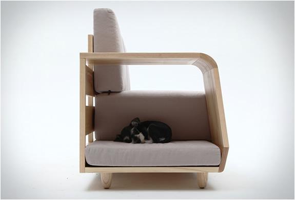 dog-house-sofa-seungji-mun-5.jpg | Image