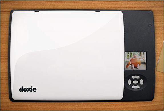 doxie-flip-4.jpg   Image