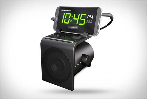 dreamer-alarm-clock-speaker-dock-2.jpg | Image