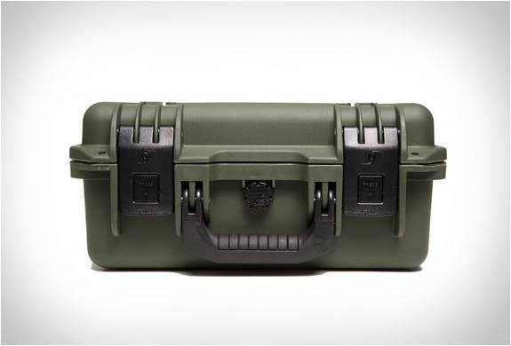 drytunes-waterproof-speaker-2.jpg | Image