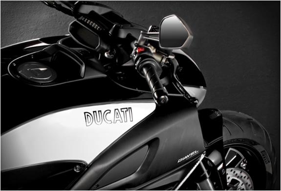 ducati-diavel-cromo-3.jpg | Image