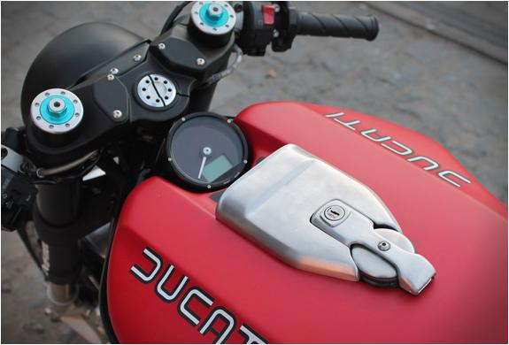 ducati-flat-red-2-jvb-moto-5.jpg | Image