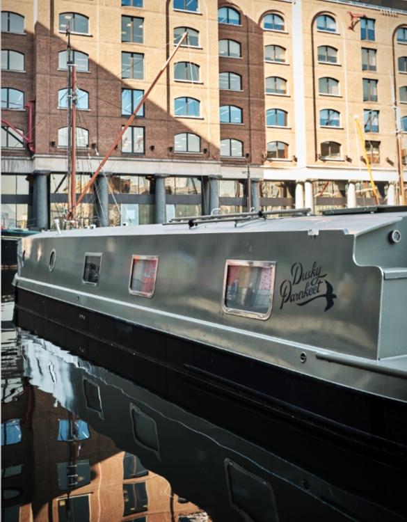 dusky-parakeet-houseboat-14.jpg