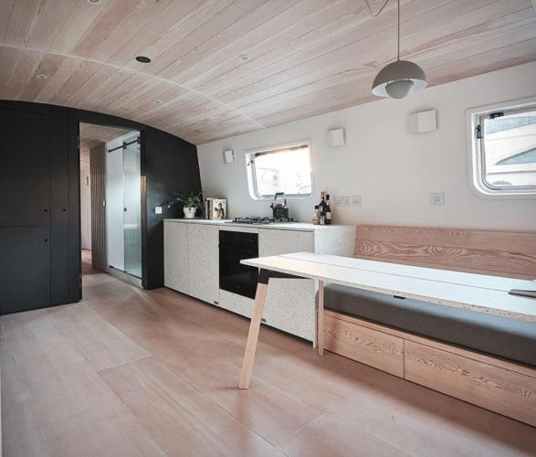 dusky-parakeet-houseboat-2.jpg | Image