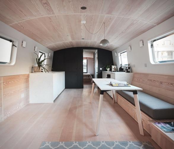 dusky-parakeet-houseboat-3.jpg | Image