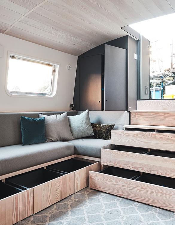 dusky-parakeet-houseboat-6.jpg | Image