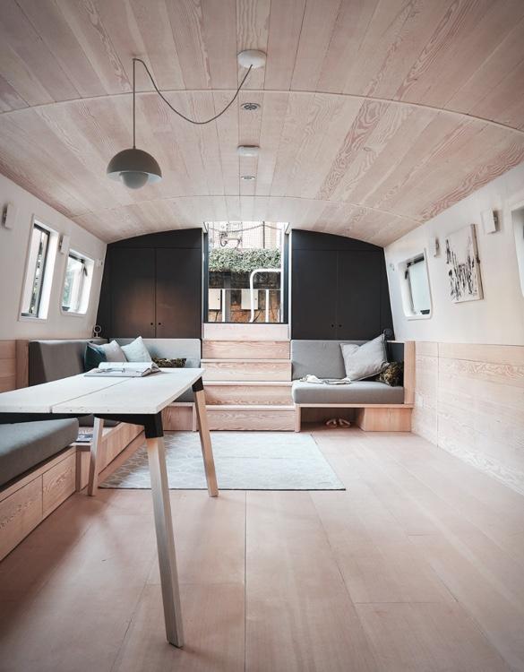 dusky-parakeet-houseboat-9.jpg